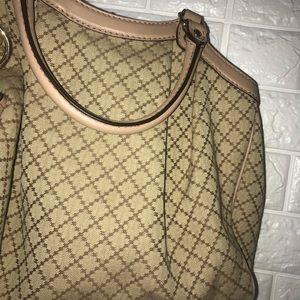 Gucci Bags - 🌸STUNNING🌸 gucci shoulder bag